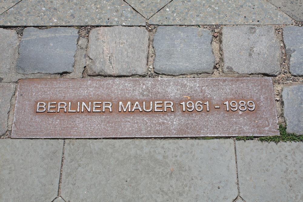 Berliner mauer 1961-1989 - Selv om det er mere end et kvart århundrede siden muren faldt er det stadig muligt at følge hvor den var