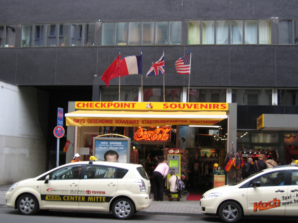 Top 10 Berlin - Checkpoint Charlie