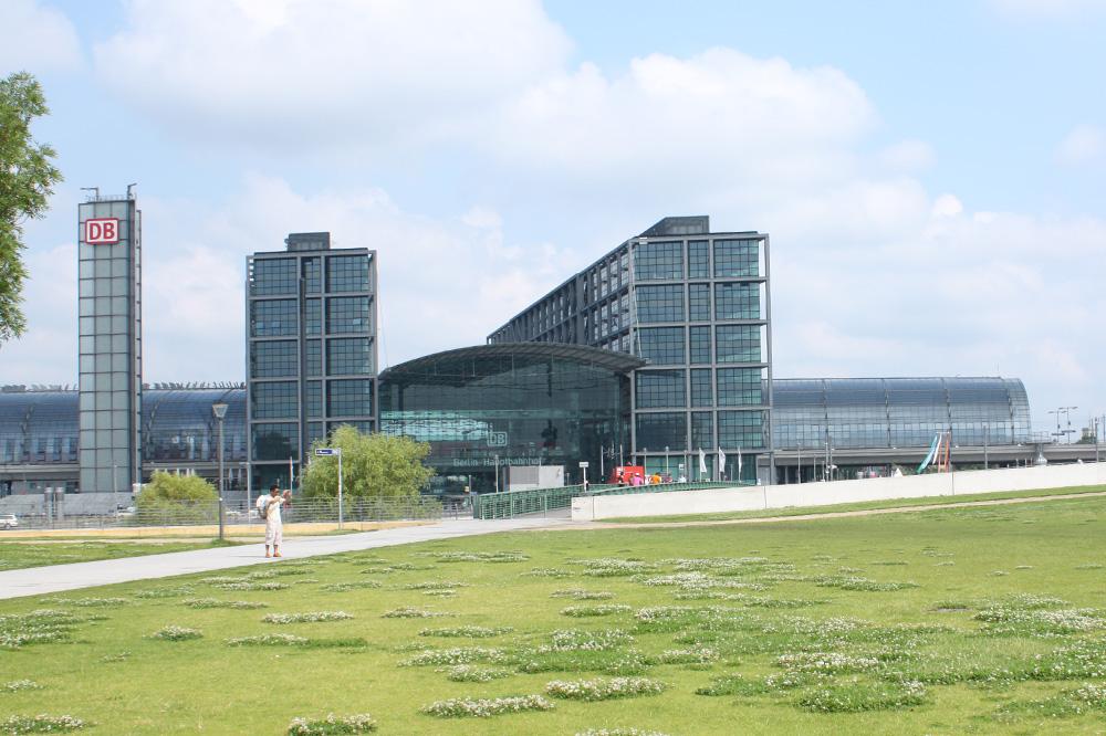 Berlins Jernbanestationer - Berlin Hovedbanegård - Europas travleste