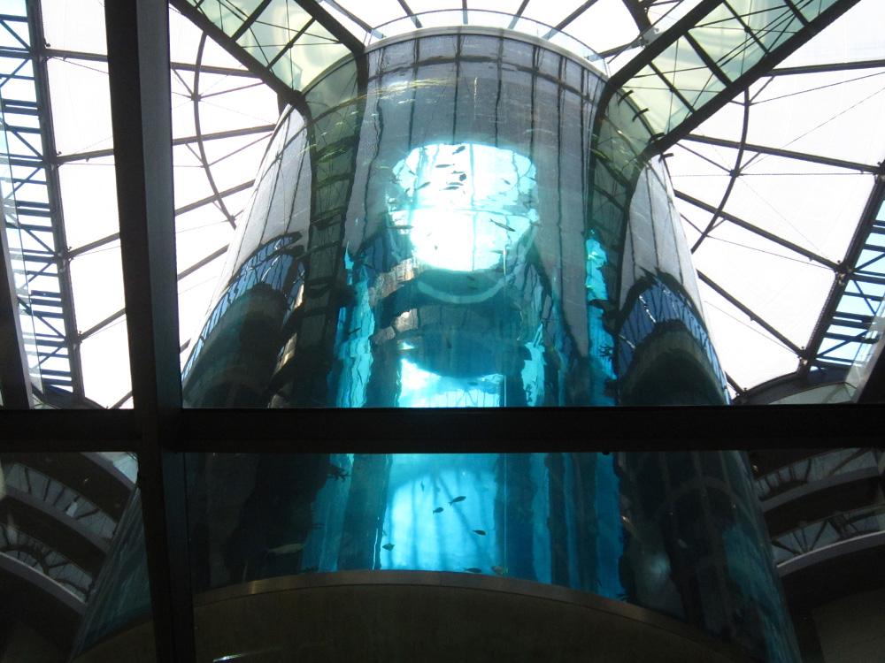Top 10 Berlin kids - Aquadom Sea Life Berlin - Elevator