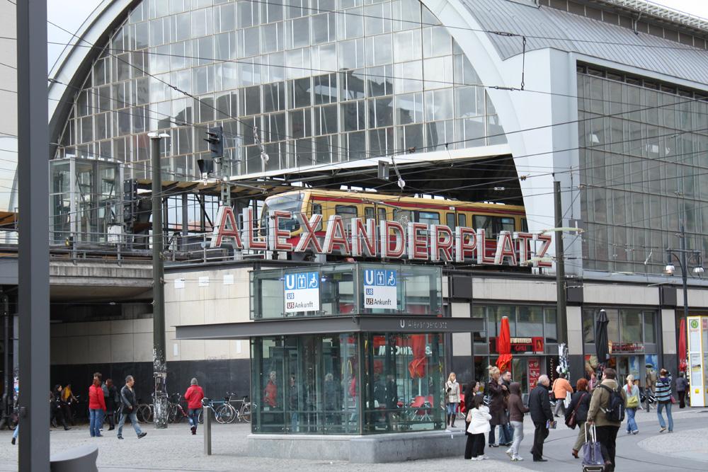 Transport Berlin - Alexanderplatz banegården